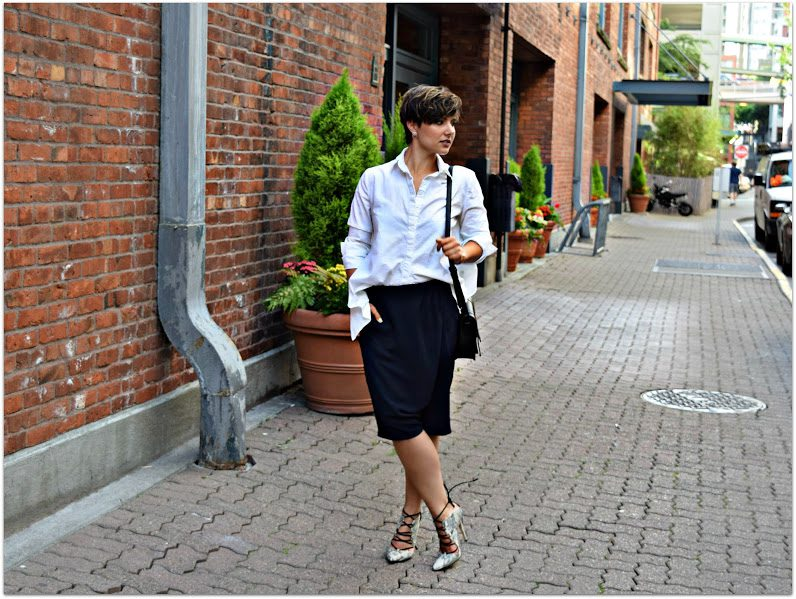 C/MEO White backless shirt minimal style