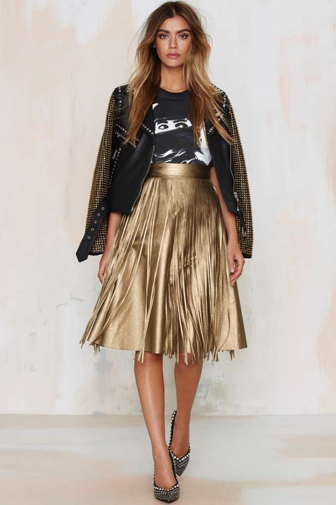 4 Tips For How To Wear A Metallic Pleated Skirt