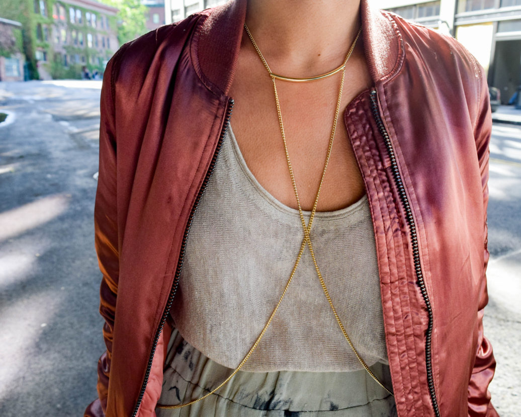 How to wear a body chain