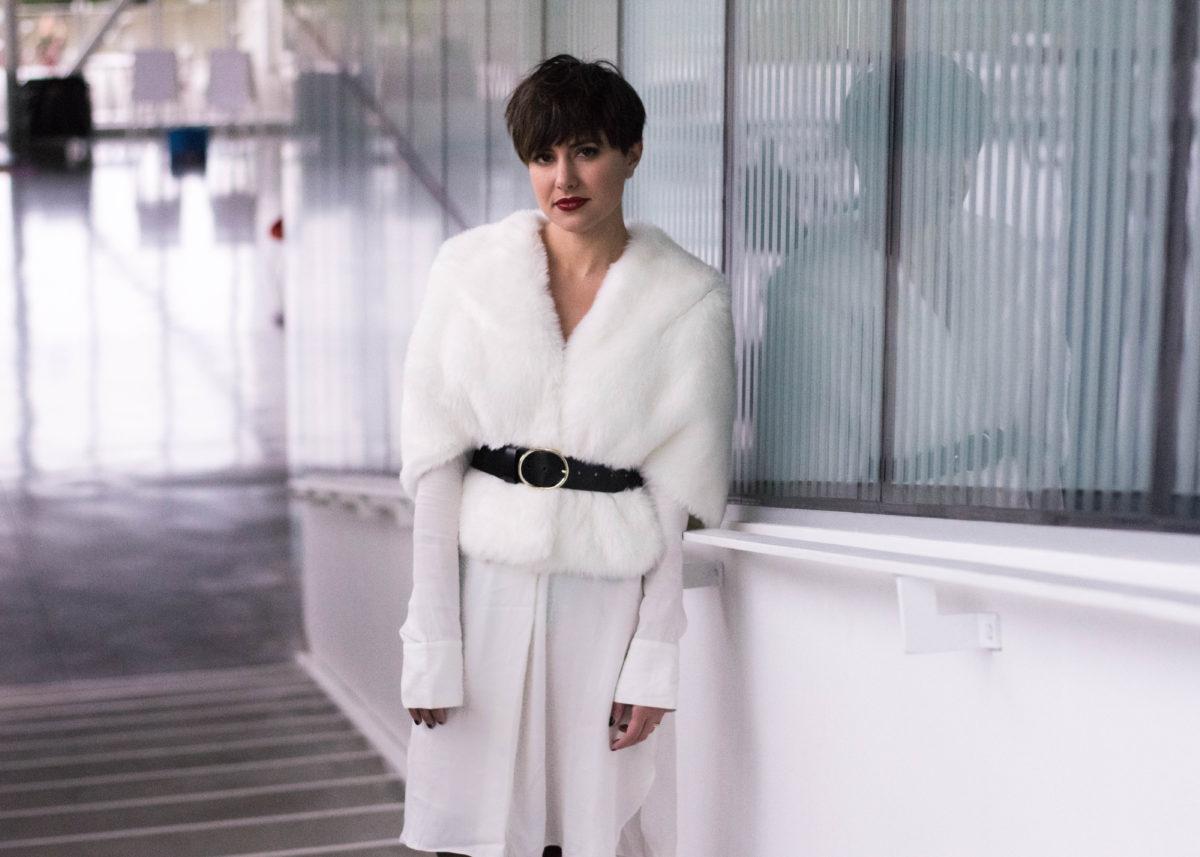 Oval Buckle Belt-BloggerNotBillionaire