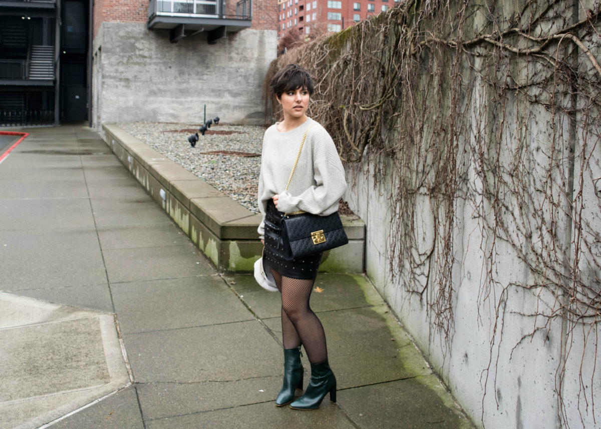 How to Wear Oversized Fishnet Tights: Outfit 1- BloggerNotBillionaire