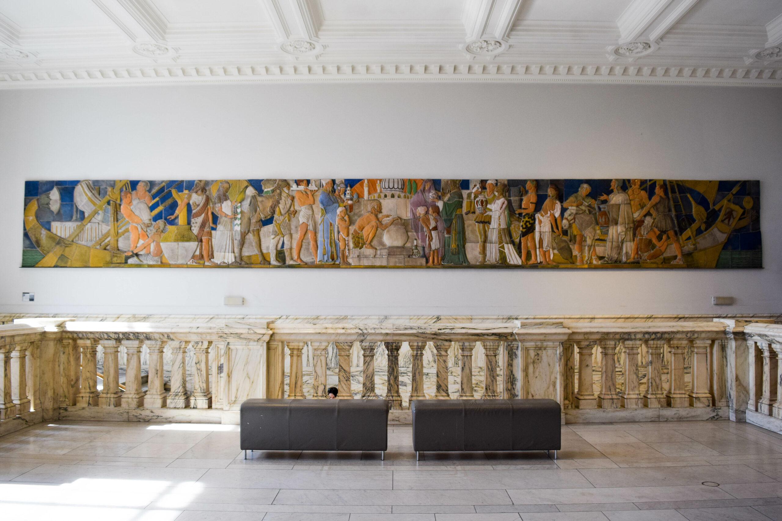 the Victoria & Albert Museum London- BloggerNotBillionaire.com