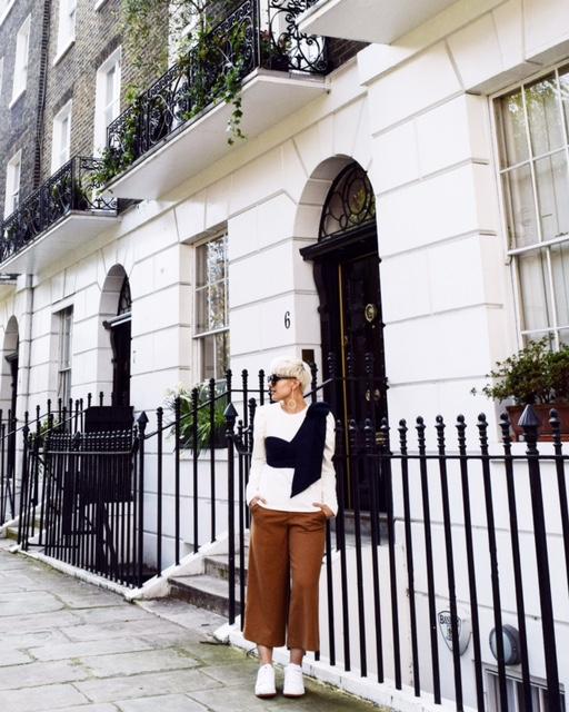 Visit London- Seattle to London- BloggerNotBillionaire.com
