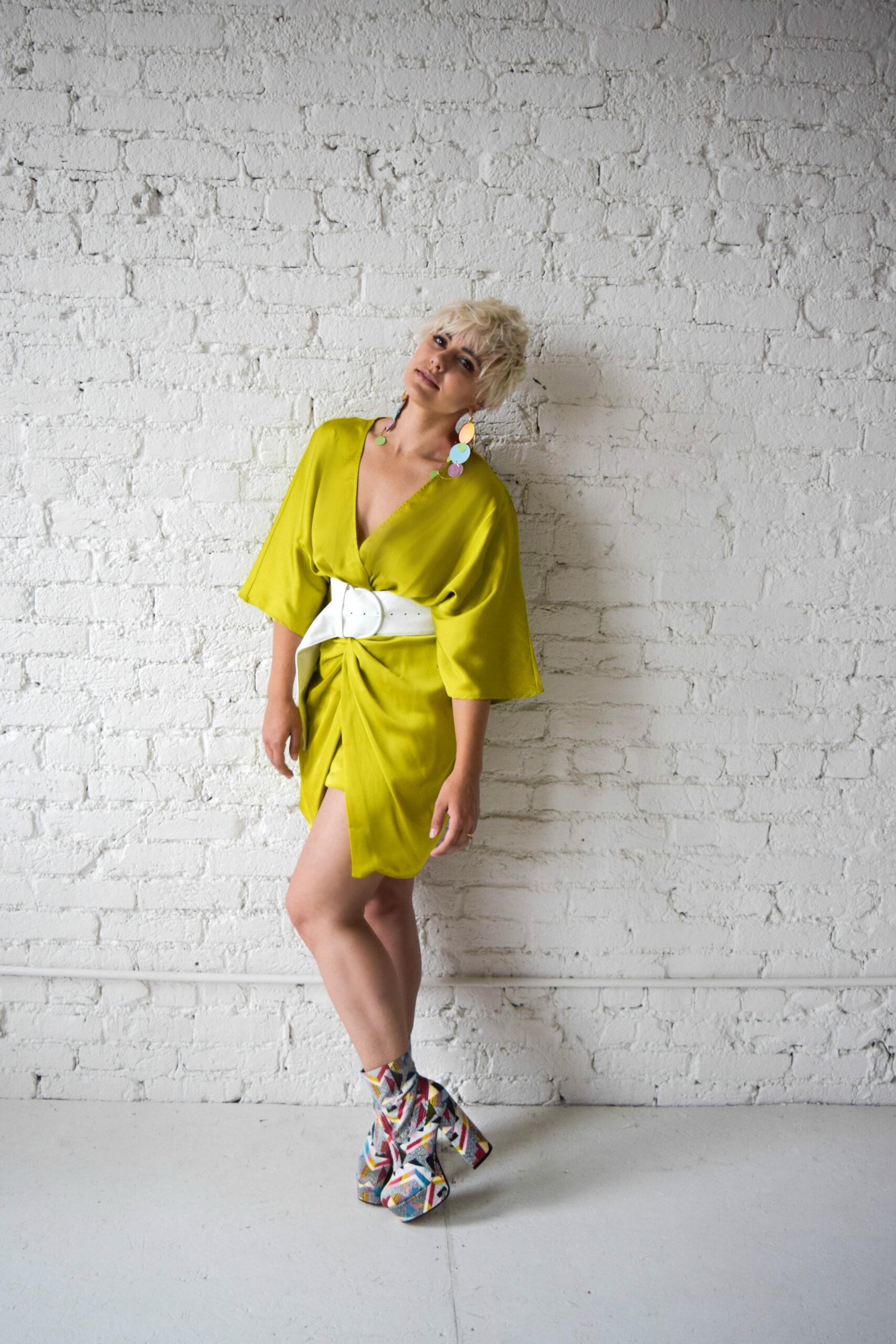 The Bombshell: Embracing Your 80's Alter-Ego Using Modern Clothing - BloggerNotBillionaire.com