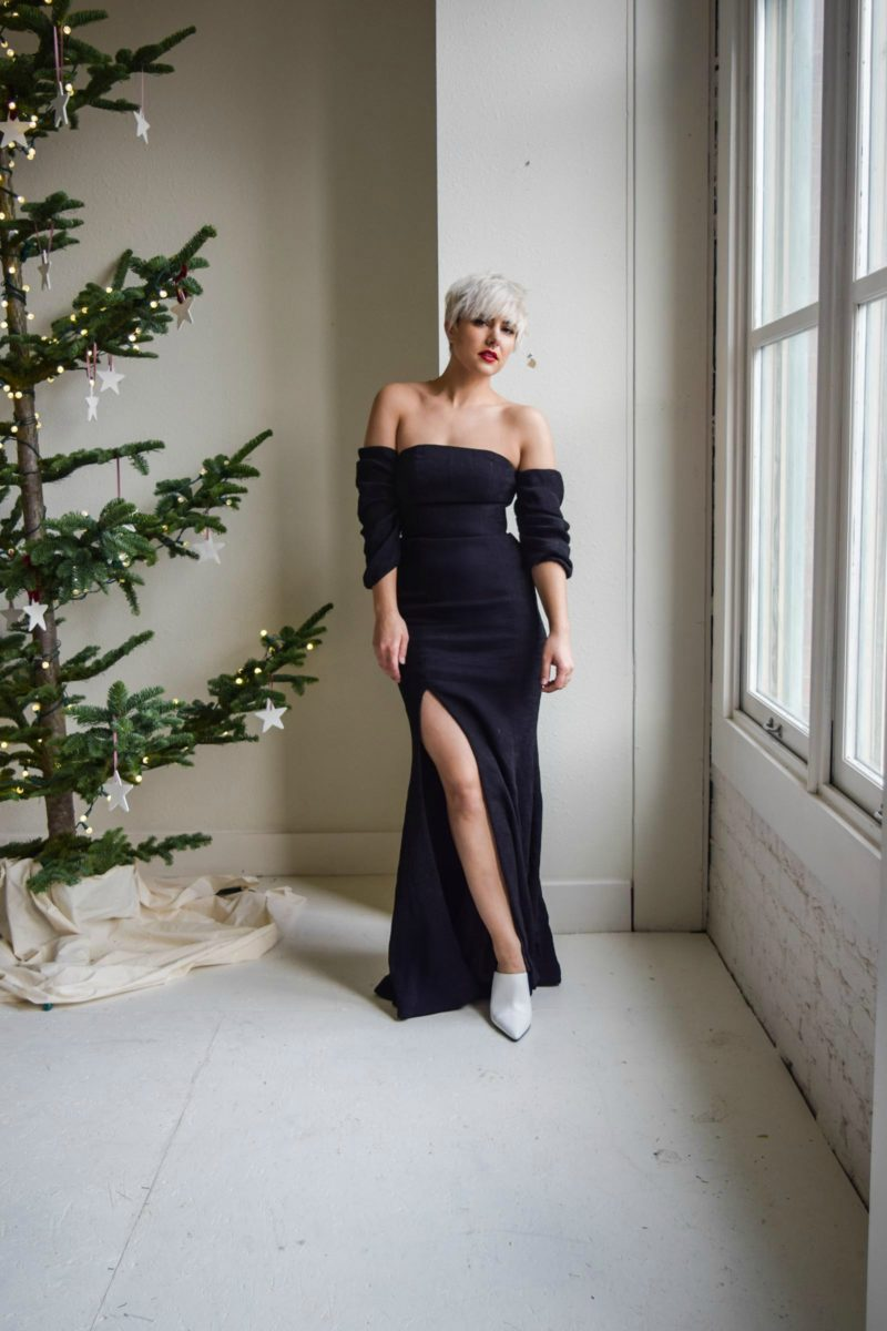 C/MEO Lift Me Gown - black