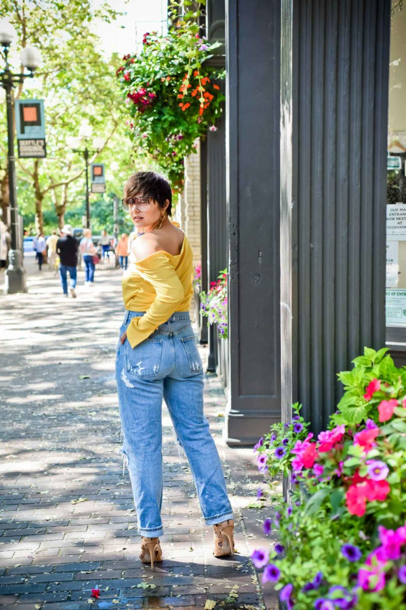 A Great Pair of Jeans for Pair Shaped Curves - BloggerNotBillionaire