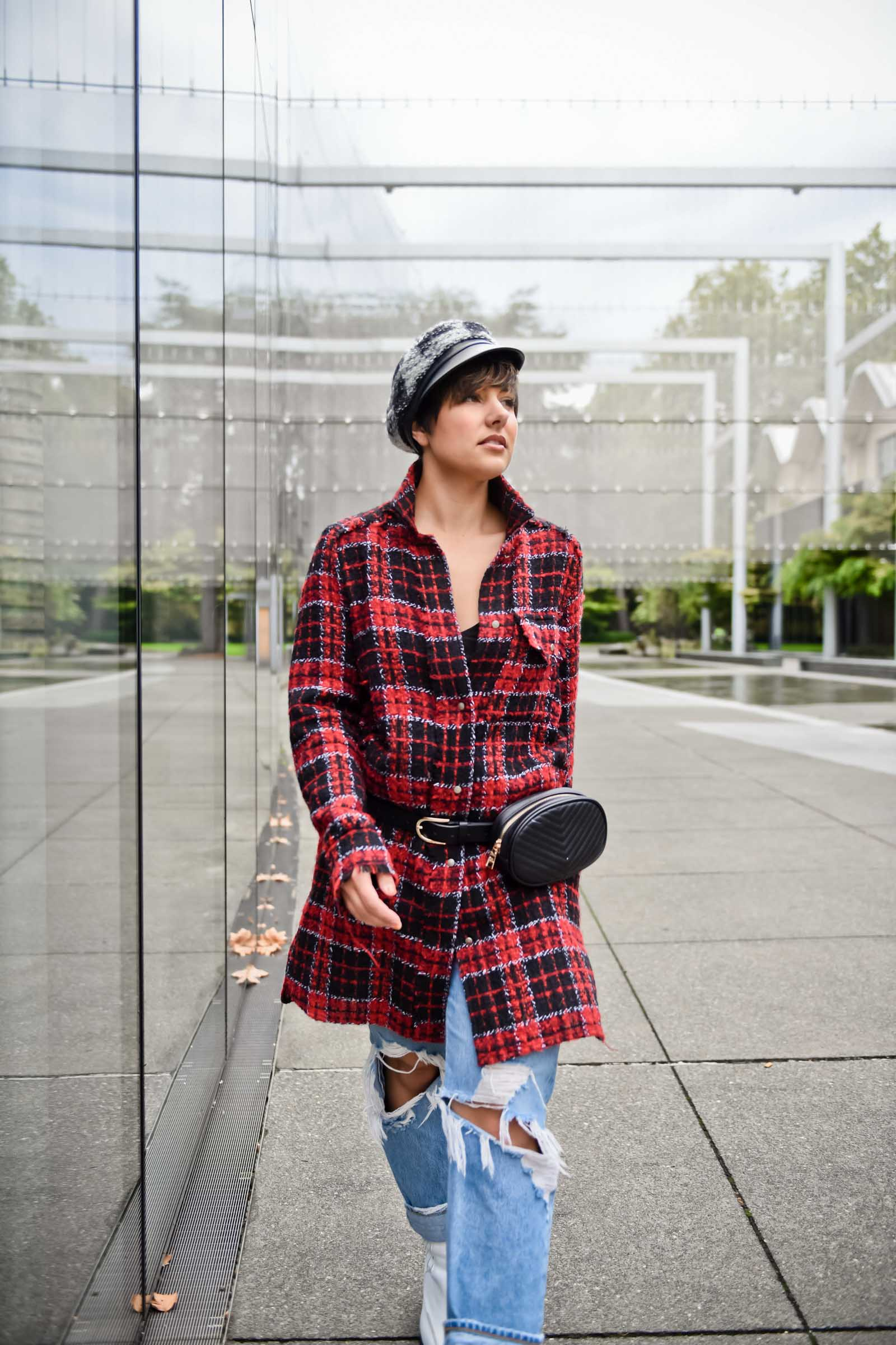 How to wear Tweed for a Casual Holiday Outfit - BloggerNotBillionaire.com