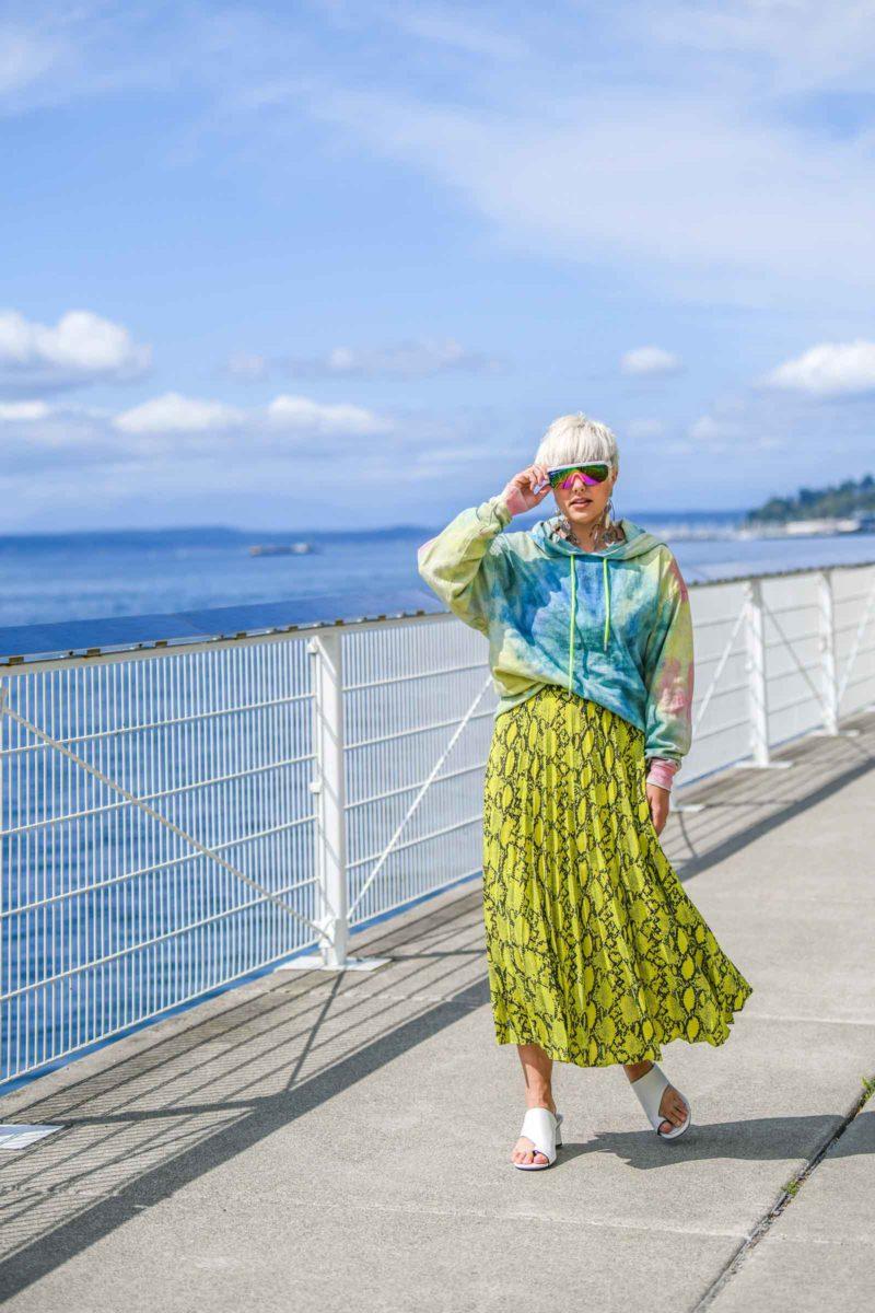 How to wear 'Grown Up' Tie Dye - BloggerNotBillionaire.com